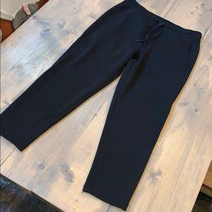 lululemon black ankle cropped pants size 8